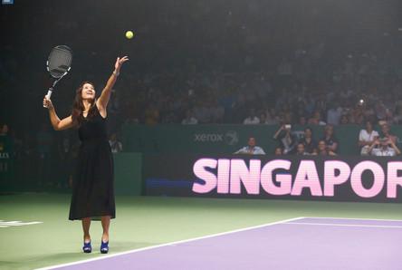 李娜为WTA总决赛开球