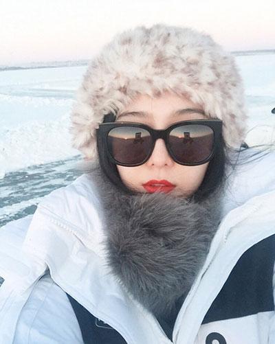 范冰冰又晒美照 红唇白皮肤美艳动人