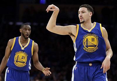 NBA常规赛:勇士胜湖人