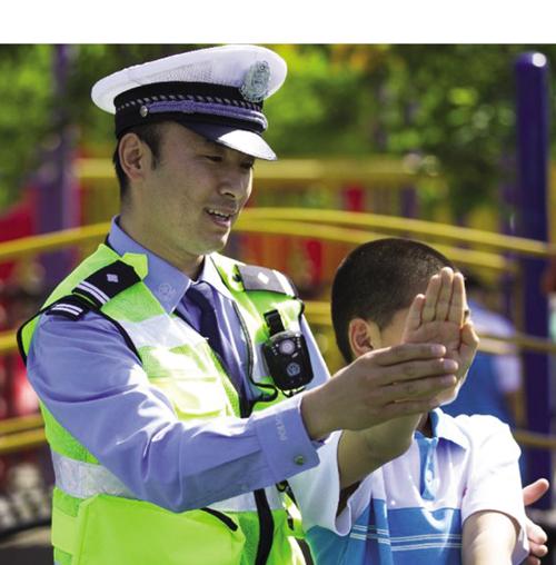 大安市交警大队开展了送法进校园宣传教育活动